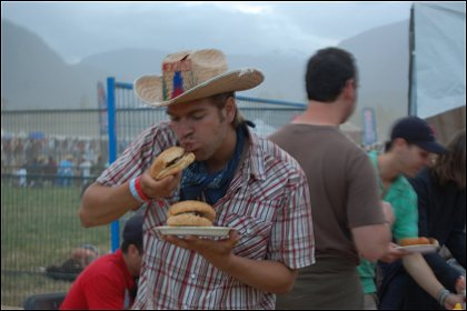 Houston Dunaway eating burgers Live at Pemberton Festival 2008, Pemberton, BC, Canada